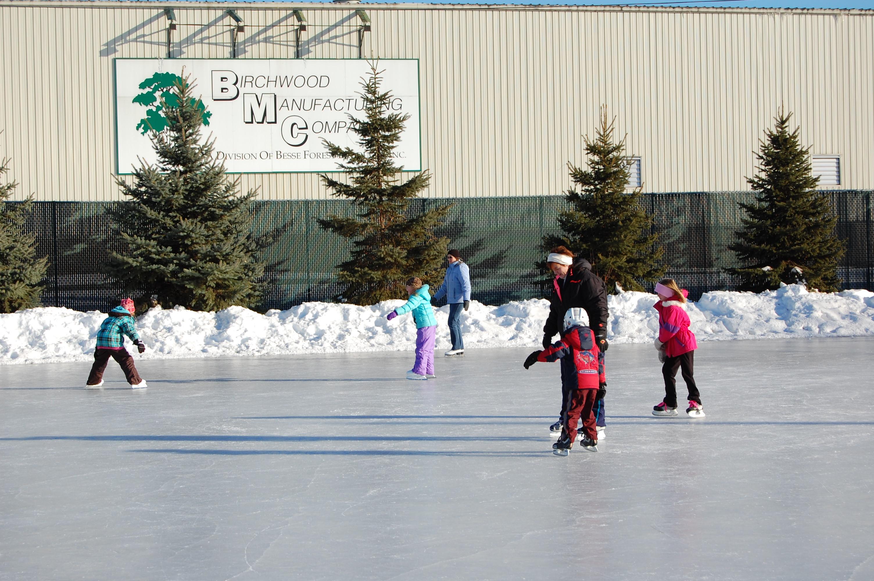 ice skating rink city of rice lake